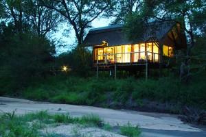 Rhino Post Bush Suite